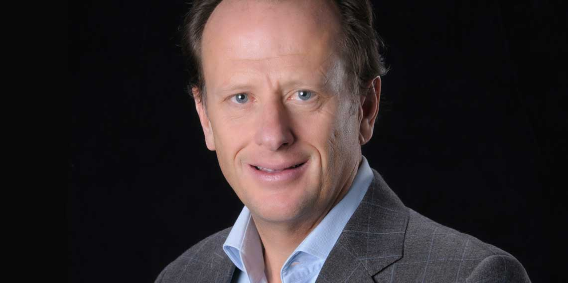 Conférenciers Québec, Formation, Motivation et Team Building - Formax - Jean Bédard - Président, Chef direction Groupe Sportscene